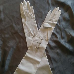 Beautiful White French Gloves